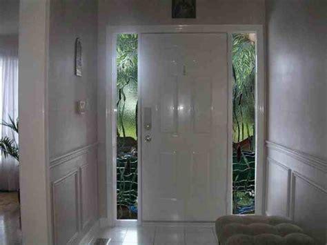 contoh pintu rumah minimalis putih eksterior rumah