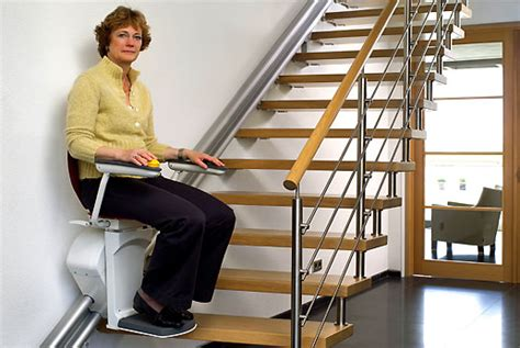 monte personne pour escalier les monte escaliers otolift