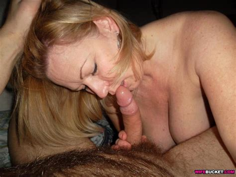 wifebucket homemade sex pics from this hot mature wife