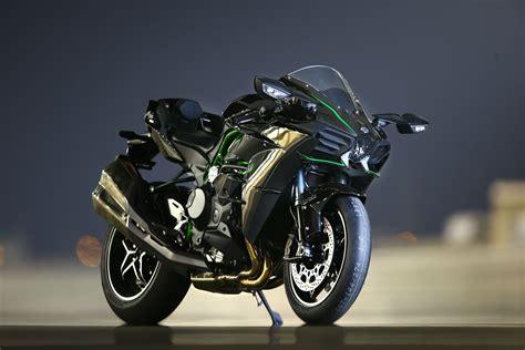 Review Kawasaki H2r by Ride Kawasaki H2 And H2r Re Visordown