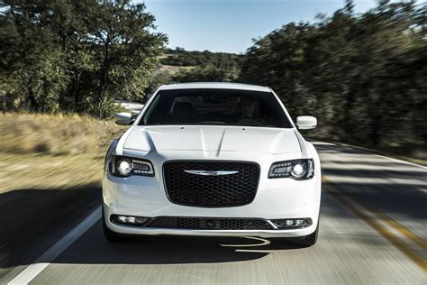 Chrysler 300 Reviews by 2018 Chrysler 300 Review Autoguide News