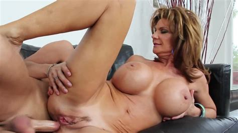 Kris Likes To Fuck Insatiable Woman Movie Deauxma Kris