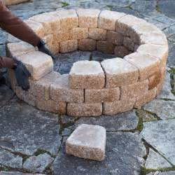 Laying Patio Pavers Instructions by Build A Firepit
