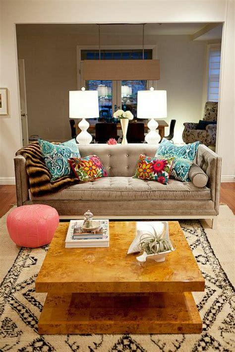 canapé original coloré comment bien décorer salon idées créatives en photos