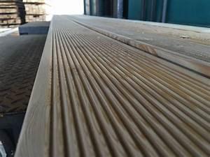 Modřínová podlahová prkna