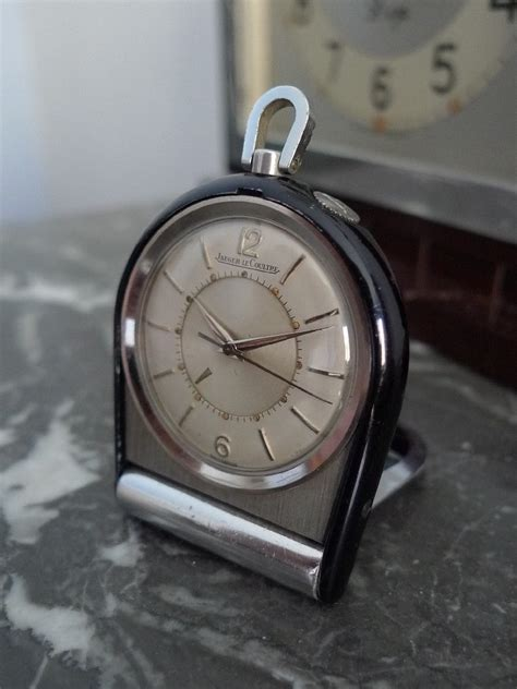 bureau de poste coin des affaires montre pendulette de poche jaeger memovox