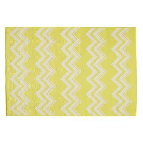 décoration chambre de bébé fille tapis d 39 extérieur en polypropylène jaune 160 x230 cm