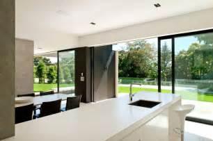 Fresh Minimal House Design by Best Interior Design House