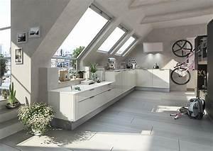 Küche Ohne Elektrogeräte Planen : moderne dachschr gen k che in hochglanz wei ~ Bigdaddyawards.com Haus und Dekorationen