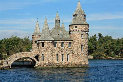 oldest castles    visit   world