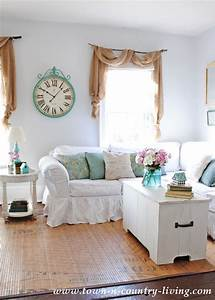 Farmhouse Style Spring Decor - Town & Country Living