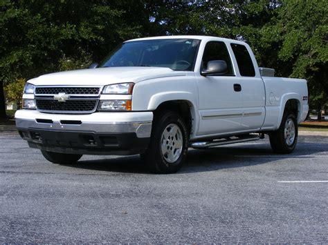 2006 Chevrolet Silverado Photos, Informations, Articles