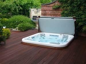 Whirlpool fur dachterrasse einige wellness vorschlage for Whirlpool garten mit terrassenüberdachung trotz balkon