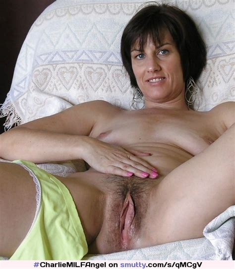 Mature Milf Spread Pussy Brunette Pussylips Wetpussy