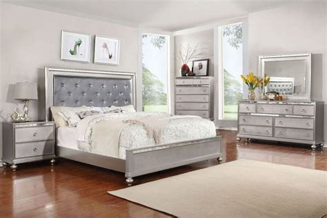 Good Mirrored Bedroom Furniture Sets