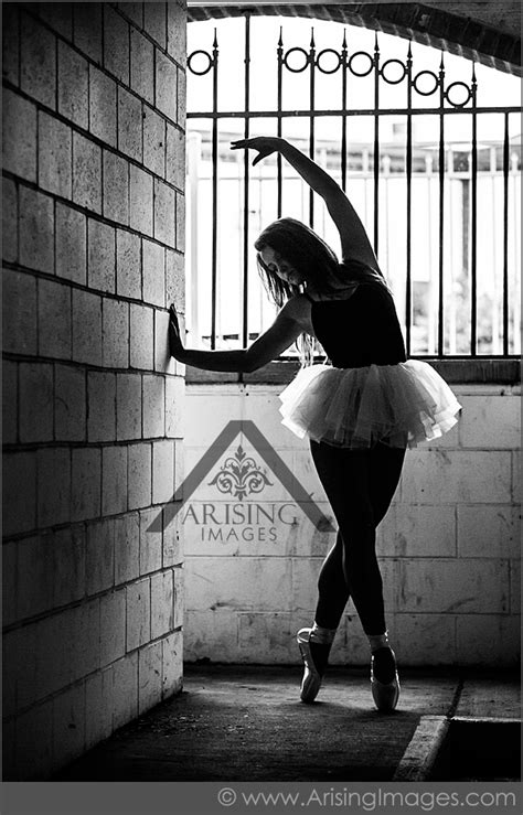 urban ballerina senior pictures  michigan arising images