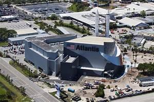 File:KSC Visitor Complex - Space Shuttle Atlantis exhibit ...
