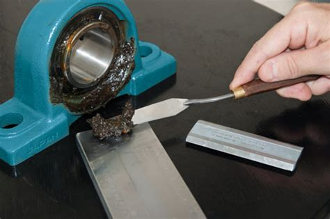 Using A Grind Gage For In-service Grease Analysis