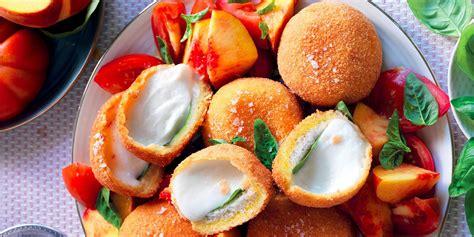 mozzarella in carrozza venezia ricetta mozzarella in carrozza con pomodori e pesche la
