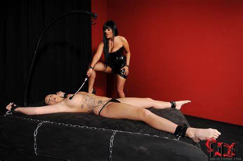 Jasmine Negro And Paige Delight Jasmine Negro Pleasures Paige Delight With A Fine Whipping