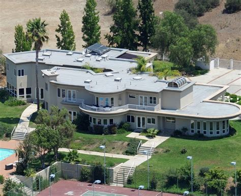 chris brown houses 25 pop homes you wish you lived in capital