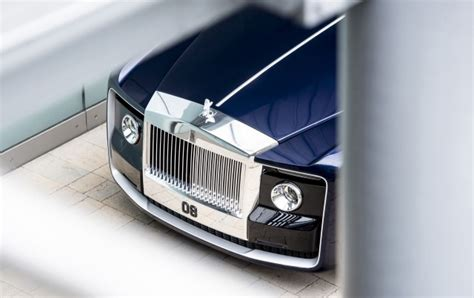 rolls royce builds  worlds  expensive  car