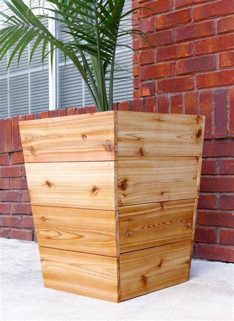 build  diy tapered cedar planter