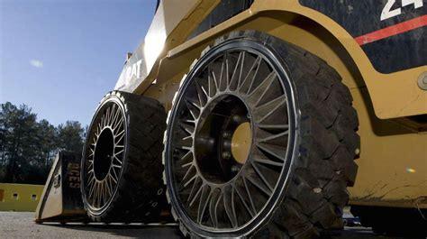 pneu sans chambre à air tweel le pneu sans air de michelin entre enfin en production