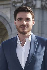 Richard Madden Photos Photos - 'Cinderella' Photo Call in ...