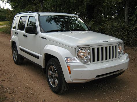 jeep liberty white file 2008 jeep liberty kk white f jpg wikimedia commons