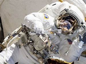 NASA's next mission? Solving the problem of 'space poop ...