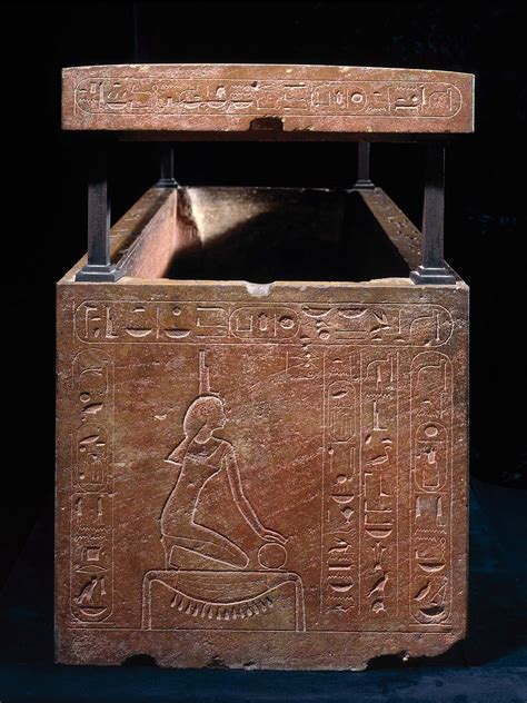 sarcophagus  queen hatshepsut recut   father