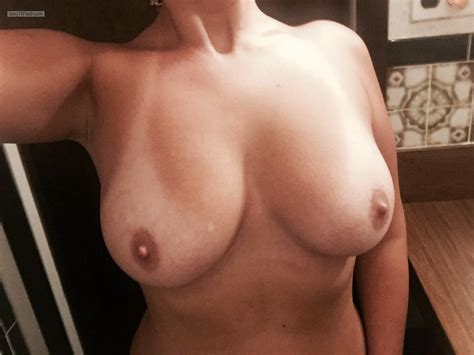 My Big Tits Selfie Smiley Girl From United Kingdom Tit