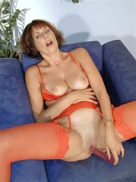 short haired mature playing and masturbating with dildo porn photos