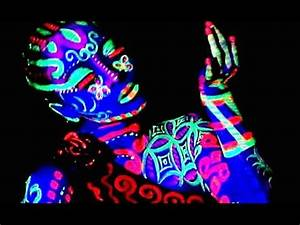 BODYPAINTING AVATAR Neon Glow in The Dark DANCE Body