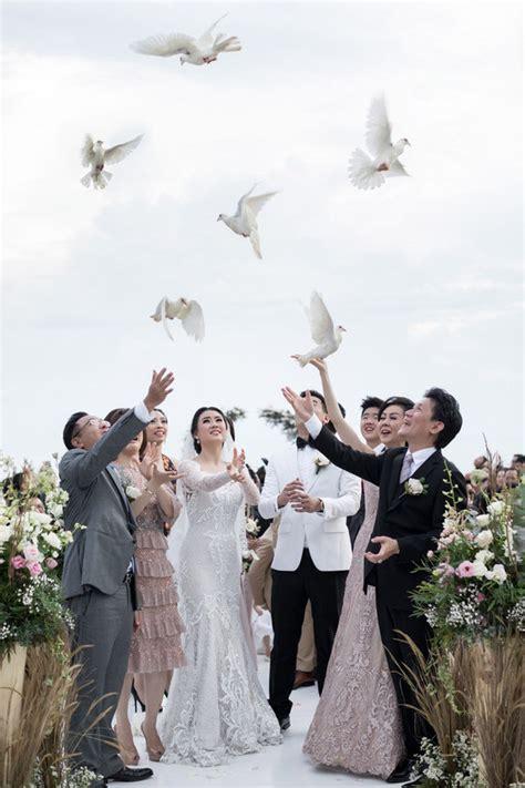 floral destination wedding in bali 100 layer cake