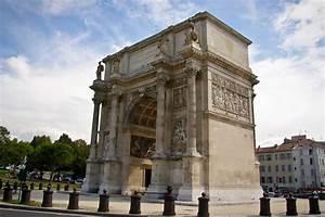 Porte 3 Beauséjour Marseille : monuments marseille l 39 arc de triomphe et la porte d 39 aix ~ Gottalentnigeria.com Avis de Voitures