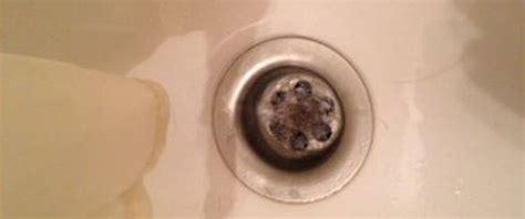 abfluss verstopft haare badewannenabfluss verstopft oder riecht diese hausmittel helfen sofort und g 252 nstig
