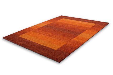 tapis de cuisine orange carrelage design tapis orange et gris moderne design pour carrelage de sol et revêtement de