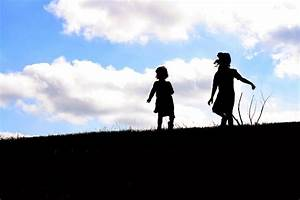 Having Fun at Home: Silhouettes on a Hill {Photo Tutorial}