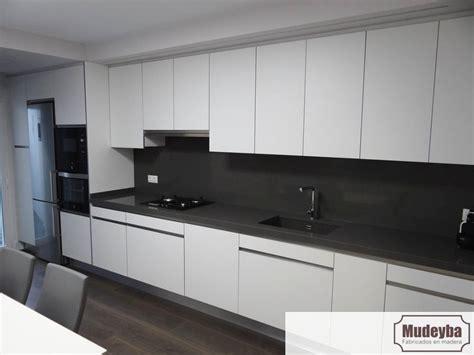 cocinas blancas  encimera gris perfect fabulous cocina