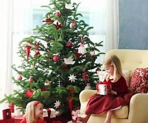Weihnachtsbaum Rot Weiß : traditionell geschm ckter weihnachtsbaum gef llt ihnen diese idee ~ Yasmunasinghe.com Haus und Dekorationen