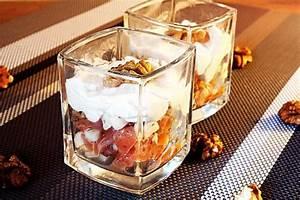 Verre A Verrine : le verre est dans la noix moins que ce ne soit l 39 inverse verrine pomme saumon noix voir ~ Teatrodelosmanantiales.com Idées de Décoration