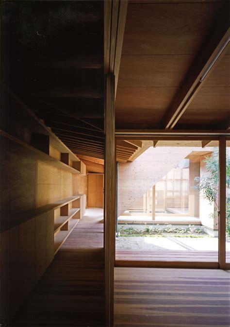 japanese wooden houses courtyard multi level decks   loft