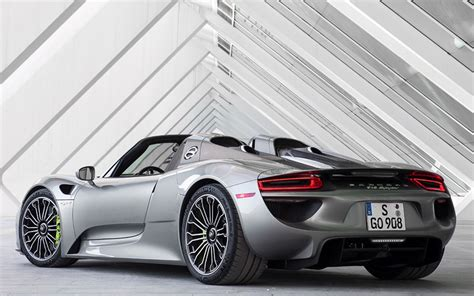 Porsche 918 Spyder Review Prices Specs And 0 60 Time Evo