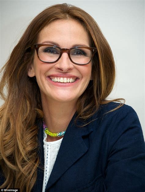 how old is actress julia roberts 11 year old julia roberts smiles bravely as she stands in