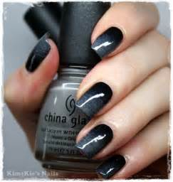 Grey black ombre nails