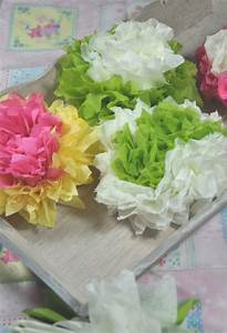 Papierblumen Aus Servietten : papierblumen basteln diy mit anleitung little red temptations ~ Yasmunasinghe.com Haus und Dekorationen