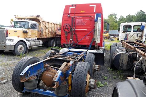 volvo vnmt tandem axle sleeper cab tractor  sale