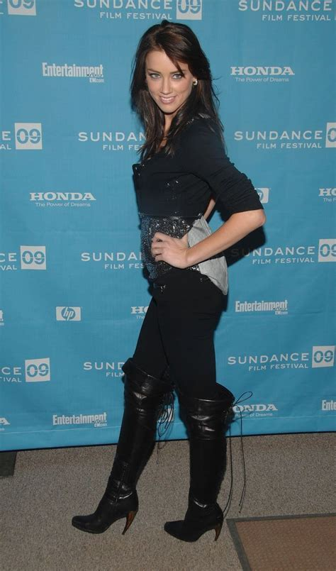 AMBER HEARD HOT IN BOOTS   Ladies wearing Boots